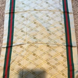 NWT authentic Gucci gold 100% silk scarf